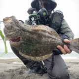 サーフでヒラメが釣れないどハマり状態の時にするべき対処方法を実釣を交えて解説|5月23日(日)16日振りに釣れたヒラメと共に